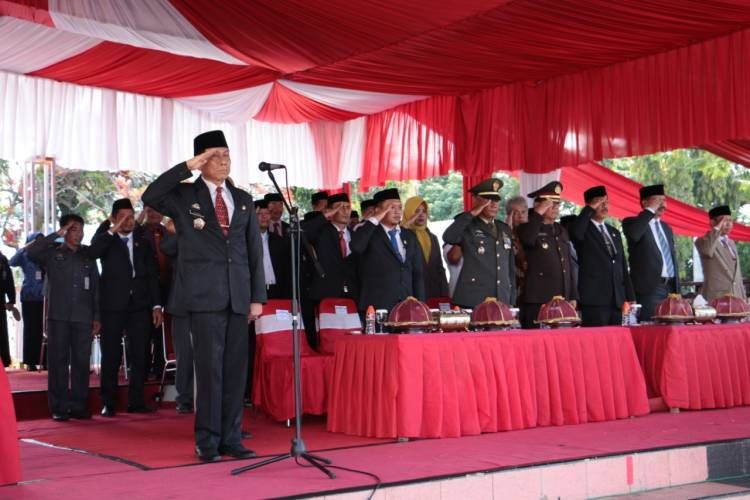 Peringati HKN 55, Berbagai Penghargaan Diserahkan